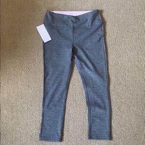 Marina Sport Capri leggings never worn NWT  (4-6)